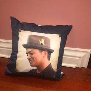 Bruno Mars Pillow!